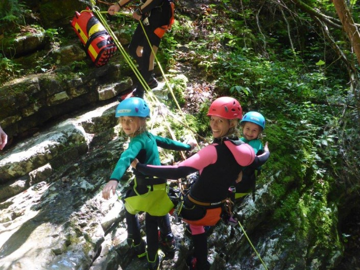 Canyoning Gardasee Funny Thrill Kids abseilen