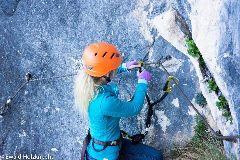 Klettersteig Englisch : Klettersteige am gardasee aqua thrill